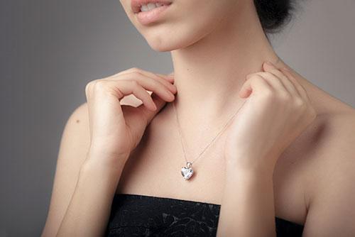 結婚指輪をネックレスにリフォーム