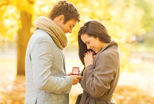 ダイヤ以外にも種類がある? 婚約指輪の宝石選び
