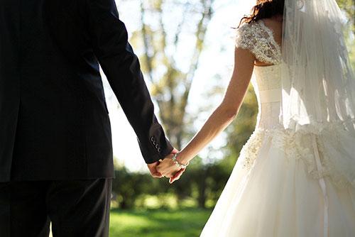 花嫁の幸せな結婚生活を願うおまじない「サムシングフォー」