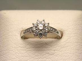オリジナルデザインのダイヤモンドリング