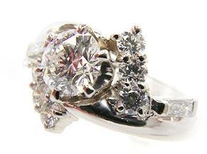 ダイヤモンドの光を表現したオリジナルのオーダーメイドリング