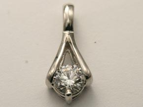 プラチナのダイヤモンドペンダント リフォーム後