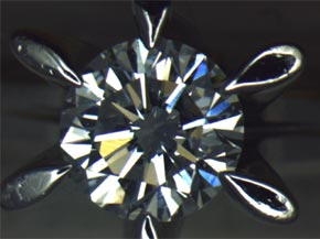 プラチナのダイヤモンド立て爪リング リフォーム前