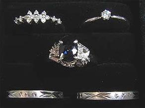 ダイヤモンドリング2点、サファイアリング1点、結婚リング2点 リフォーム前