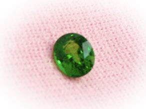 珍しいグリーンのガーネットの裸石 リフォーム前