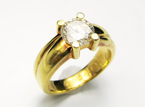 ダイヤモンドリングの新品仕上げ 仕上げ直し前