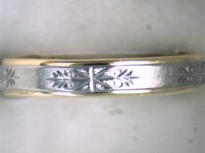 指輪の表面に柄や文字等のテクスチャーがある指輪のサイズ直し