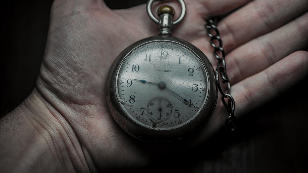 アンティーク時計の修理・メンテナンス方法まとめ。